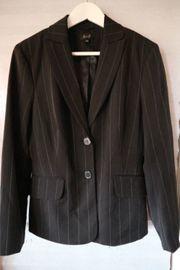 Miss H Anzug schwarz Nadelstreifen
