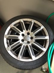 Felgen mit Reifen