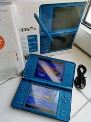 Nintendo DSi XL Konsole mit