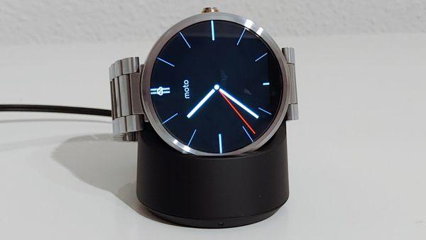 Motorola Moto 360 Smartwatch light