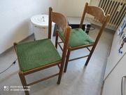 2 Stühle Holz grüner Stoffbezug