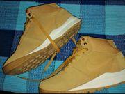 Nike Hoodland Suede Sneaker Nike