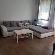Schöne und bequeme Couch mit