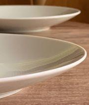 Speiseteller der Porzellanserie Trend von