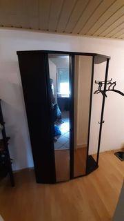 Schwarzer Garderoben Schrank mit Fächer