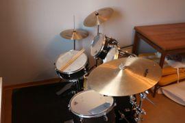 Schlagzeug TORNADO Jugendschlagzeug: Kleinanzeigen aus Königsbach-Stein - Rubrik Drums, Percussion, Orff
