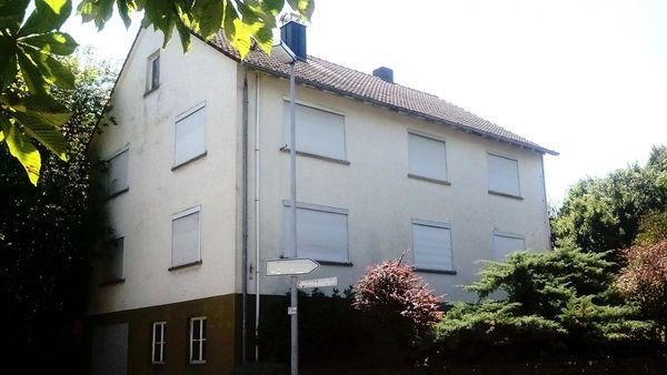 2-Familienhaus Scheune Stall und 7688