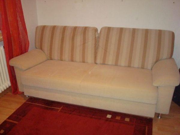 Schlafcouch oder zum Rumfletzen in Beige + 2 Sessel