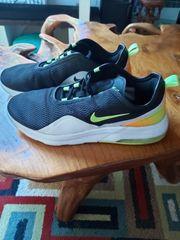 Nike Sneaker Gr 46 top