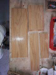 Bodenfliesen braun Reste mit Holzmuster
