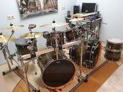 Großes Sonor Schlagzeug-Set