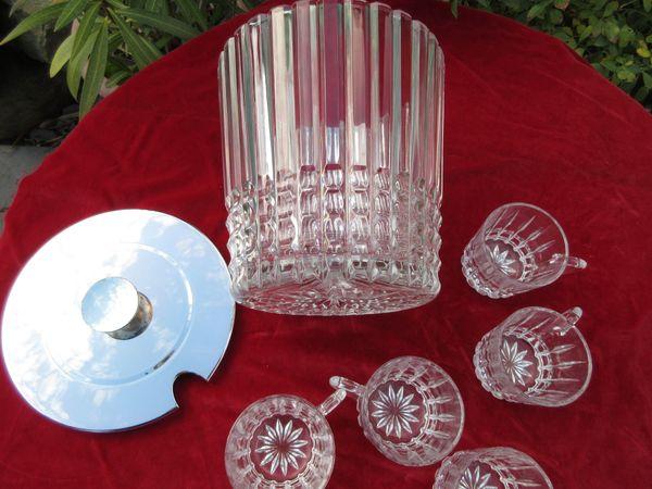tolles Bohlenset aus Kristallglas