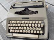 alte Reise-Schreibmaschine Madame 400 - mit