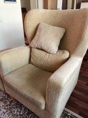 3er Sofa und Ohrensessel mit
