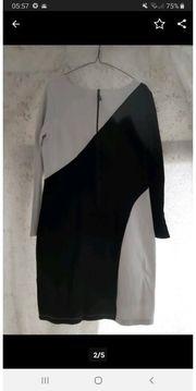 Kleid Gr42 Marke APART figurschmeichelnd