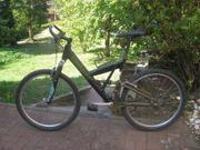 Verschiedene Fahrräder zu verschenken