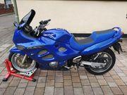 Suzuki GSX 600 F Tiefergelegt