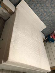 Bett mit 2 Nachttischen 2