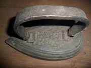 Altes Bügeleisen antik Deko