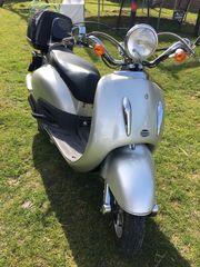 Roller 125 Motorrad nur 640km