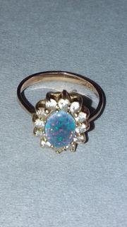 Goldring mit blauem Opal 585