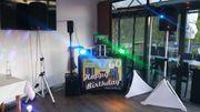 DJ Boozzy mit mobiler Sound-Anlage