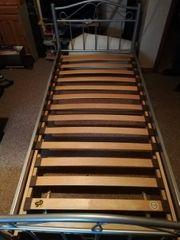 Bett mit Lattenrost Metall 90