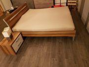 Bett ohne Lattenrost und Matratze