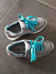 Neue Superfit Schuhe Gr 27