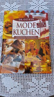 Modernes Backbuch Modekuchen vom Blech
