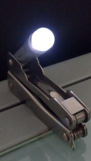 Vielzweckmesser mit Lampe