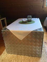 Riffelblech Tisch