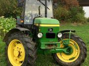 John Deere 2250 Traktor