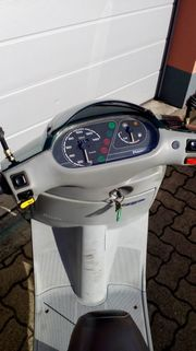 Piaggio SKR125 Roller 125ccm 2-Takt