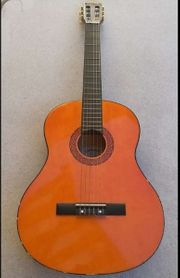 C Giant Gitarre