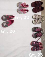 Kinderschuhe verschiedene Größen siehe Foto