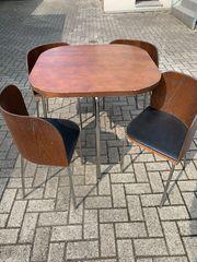 Küchentisch und Stühle