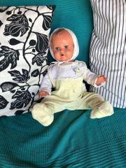 Alte Schildkröt Puppe mit Kleider