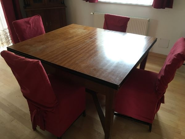 Tisch mit 6 Stühlen - Jugendstil