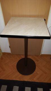 Verkaufe hier einen neuwertigen Tisch
