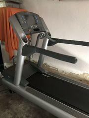Life Fitness Laufband TE97