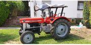 Traktor Bulldog von Massey- Ferguson