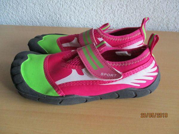 newest 45e68 4d5ba Mädchen-Badeschuhe in pink-grün in Gr. 32 in Philippsburg ...