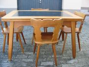 Tisch mit 4 Stühle in