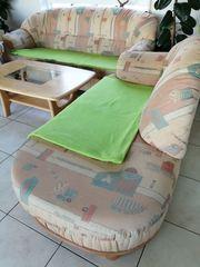 Couchgarnitur und Couchtisch
