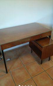Schreibtisch mit Untertisch und Kommode