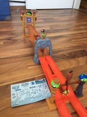 Angry Birds pig rock raceway