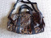 Tasche Handtasche Schultertasche Umhängetasche Kunstleder
