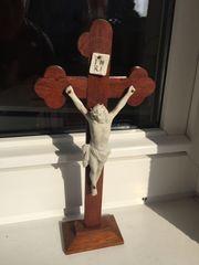 Kruzifixe 2 Stück Holz mit