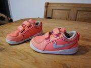 Schöne Nike Kinder Schuhe gr